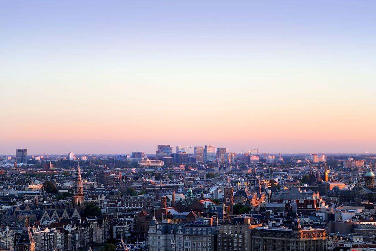 Afbeelding van 'Lucht in Nederlandse steden te vies om in te werken'