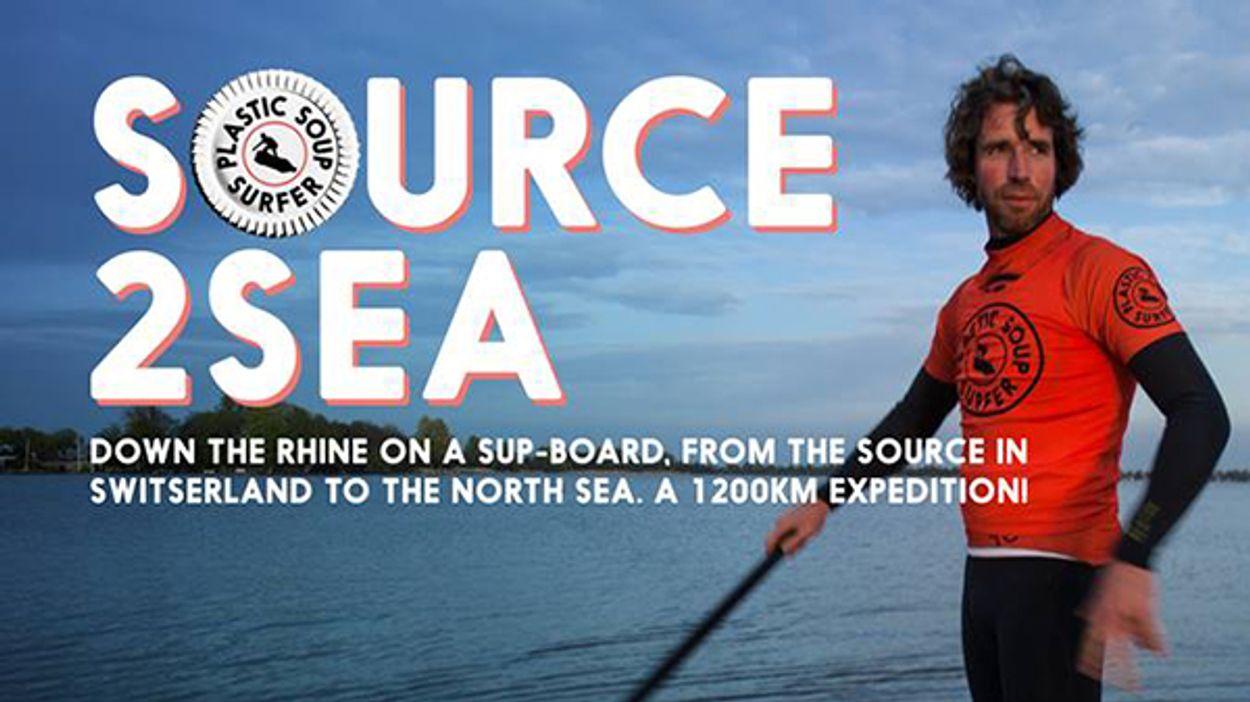 Afbeelding van Plastic Soup Surfer peddelt de Rijn af