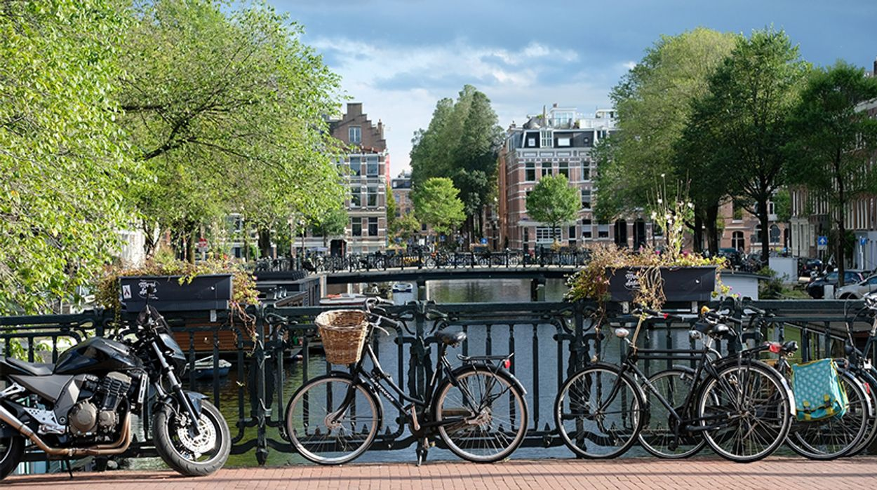 Afbeelding van Amsterdam wil in 2030 af van vervuilende auto